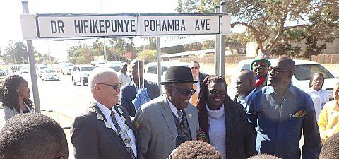 020_Mayor Coetzee, F. President Pohamba, Gov. Basson, Min. Tweya